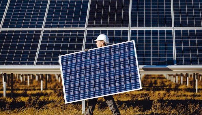 Instalacion-de-Paneles-Solares-en-Mexico-v001-compressor