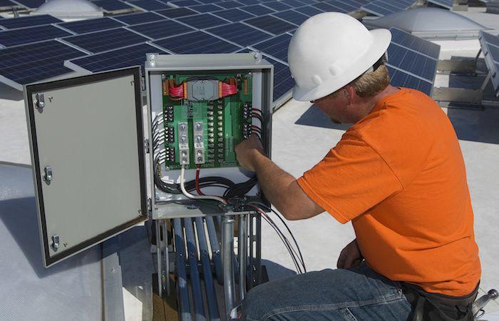 Instalacion-de-Paneles-Solares-en-Mexico-v004-compressor