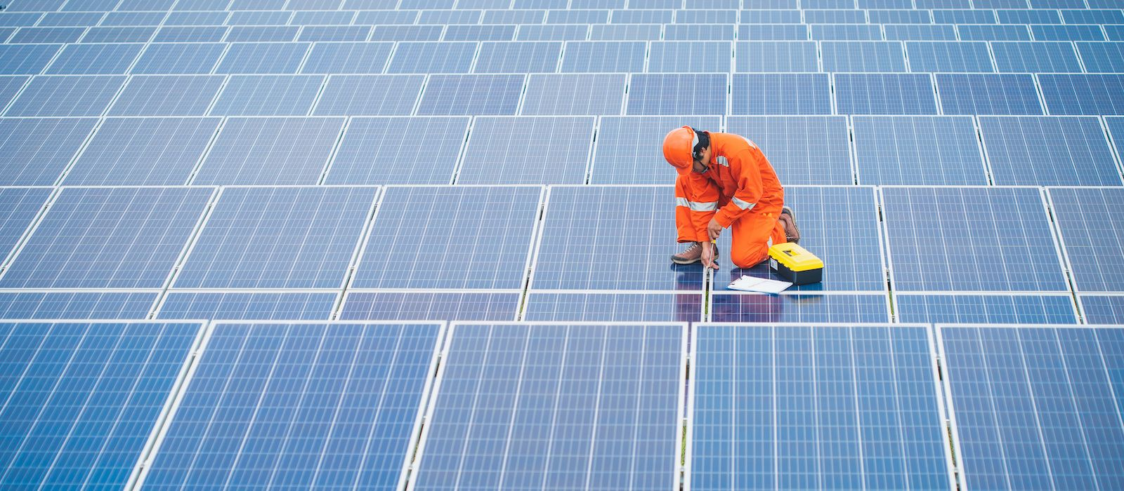 Especialistas-en-Venta-e-Instalacion-de-Paneles-Solares-en-Mexico-v002-compressor